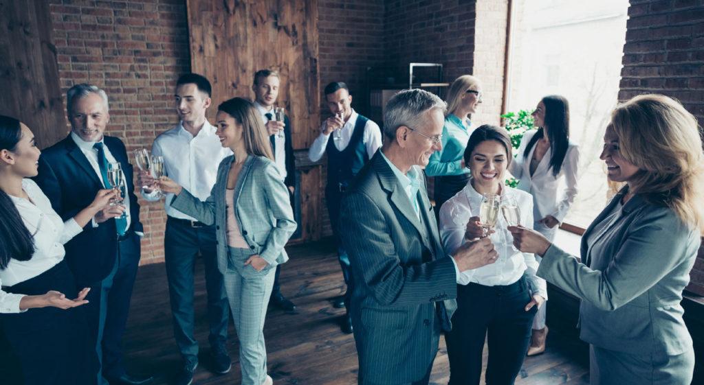 Groupe de personnes dans un afterwork